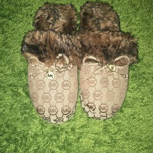 Michael Kors slippers a new like condition